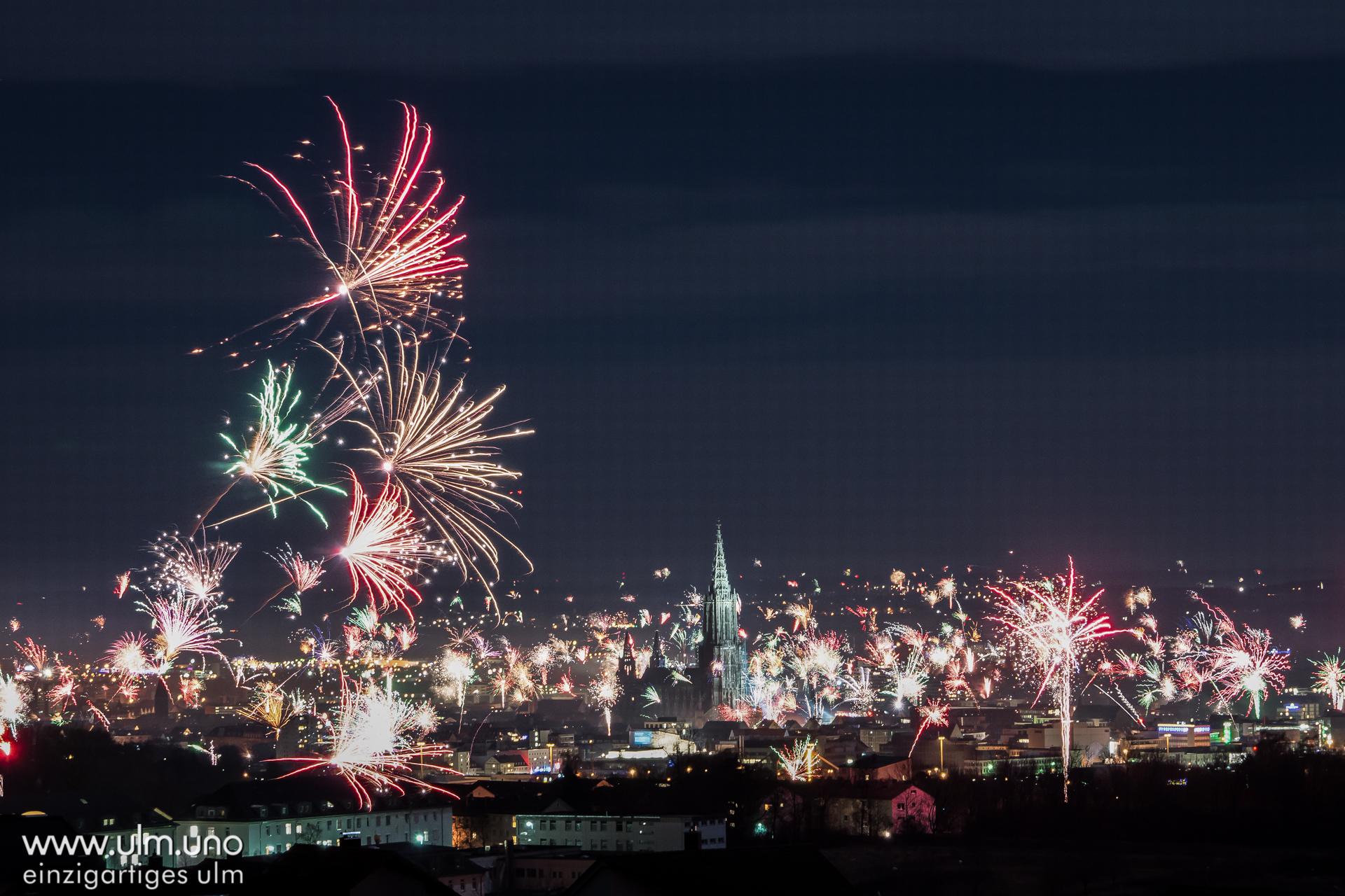 Silvester Feuerwerk Ulm - Jahreswechsel 2017/2018 - www